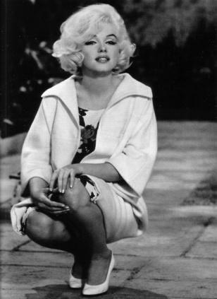 White Summer Dress on Marilyn Monroe In White Floral Dress   White Heels