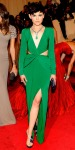 Ginnifer Goodwin in an emerald Topshop dress with Aperlai sandals, Kotur clutch, a turquoise Van Cleef & Arpels jewelry