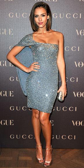 0681a2dd6bd Jessica Alba in a blue   silver Gucci dress with satin heels   a minaudiere