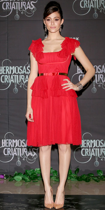 emmy rossum in a red ruffled lace zuhair murad dress with