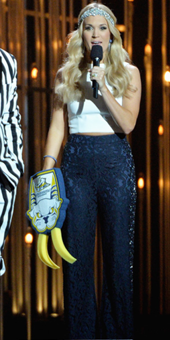 Carrie Underwood at the 47th CMA Awards 04