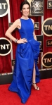 Julianna Margulies in a cobalt Giambattista Valli Haute Couture structured gown with jewelry by Fred Leighton.