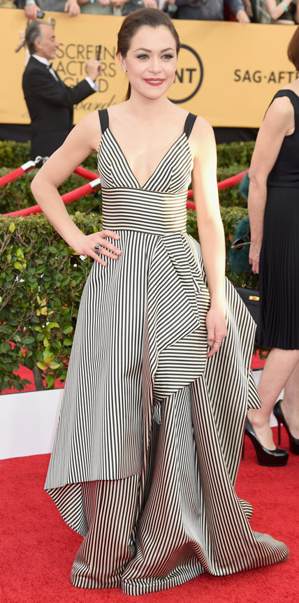 Tatiana Maslany in a black & white striped Oscar de la Renta gown ...