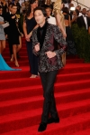 Adrien Brody in an embroidered jacket at the 2015 Met Gala. 01.