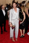 Jenna Lyons in a white & silver chainmail suit at the 2015 Met Gala. 01.