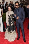 Lisa Bonet & Lenny Kravitz at the 2015 Met Gala. 01.