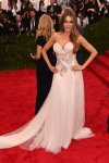 Sofia Vergara in a pink ruched sweetheart Marchesa design at the 2015 Met Gala. 01.
