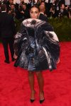 Solange Knowles in an abstract printed scultural dress by Giles at the 2015 Met Gala. 01.