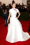 Ziyi Zhang in a white Asian-inspired gown by Carolina Herrera at the 2015 Met Gala. 01.